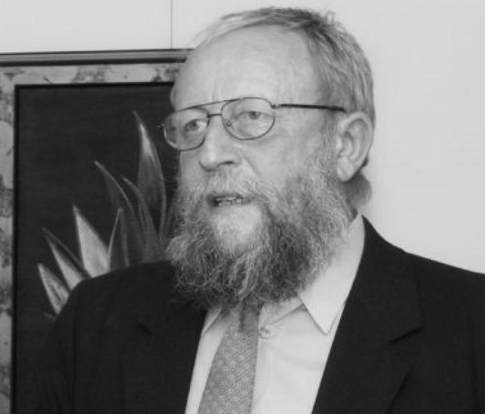 Zemřel docent Jan Lacina